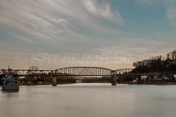 BilddeAlte Eisenbahnbrücke in Hameln