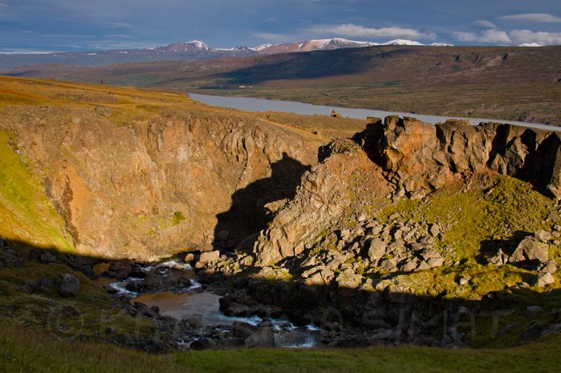 Lagarfljót vom Weg zum Wasserfall gesehen